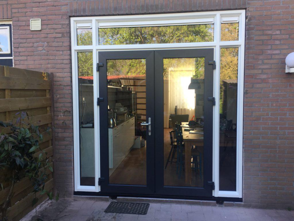 Openslaande tuindeuren geplaatst in Ermelo aan de Zwaluwstraat 183 door ETD kozijn.