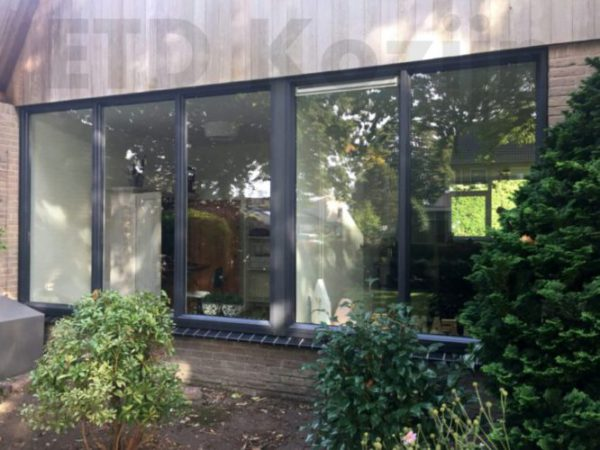 ETD kozijn heeft deze mooie woning voorzien van prachtige Schüco kunststof kozijnen.
